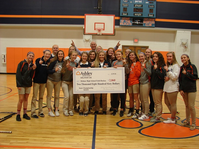 Delmar Field Hockey Team Receives Donation From Area Business