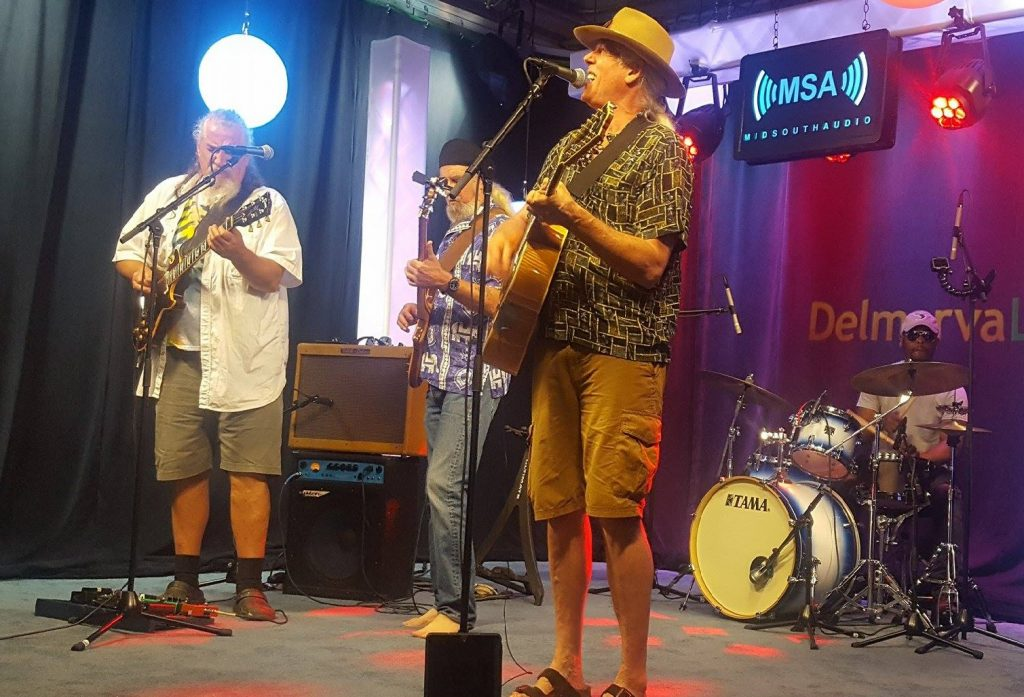 "Local Band, Beach Trip, Performs ""Whatever Happened"" and ""Beach Trip"" on the Mid South Audio Stage"