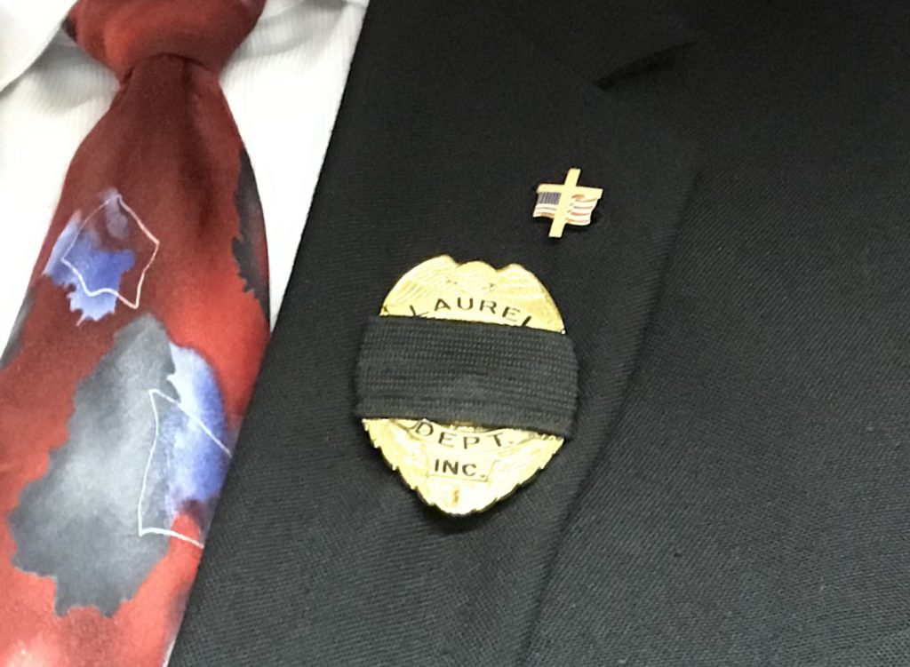 Wearing the Mourning Badge