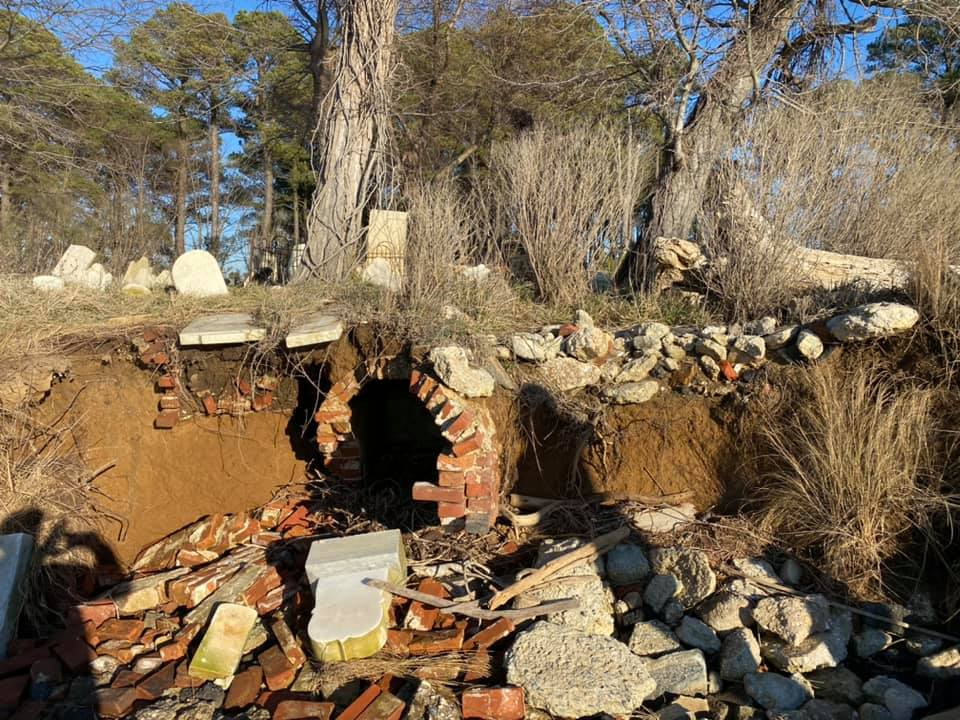 Social Media Re-ignites Efforts to Save Hooper's Island Cemetery