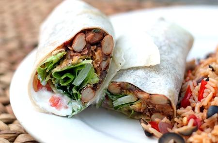 Tide and Thyme Food Blogger Laura Davis Prepares Chipotle Bean Burritos
