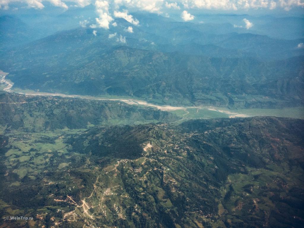 вид из самолета в Непале