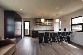 1818broadview_garage_suite