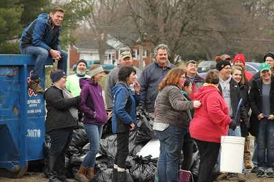 44News Joins Forces With Keep Evansville Beautiful for Monthly Event