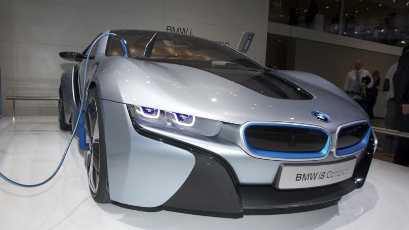 Hybrids, EVs everywhere at Detroit auto show