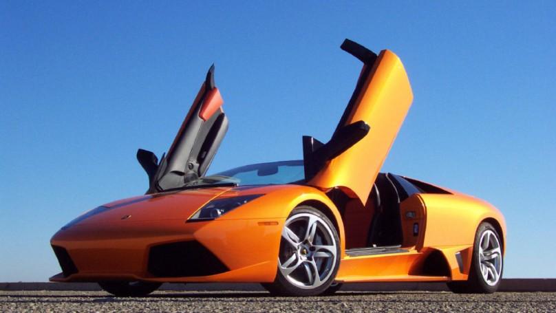 Man crashes $380,000 Lamborghini 6 hours after winning it