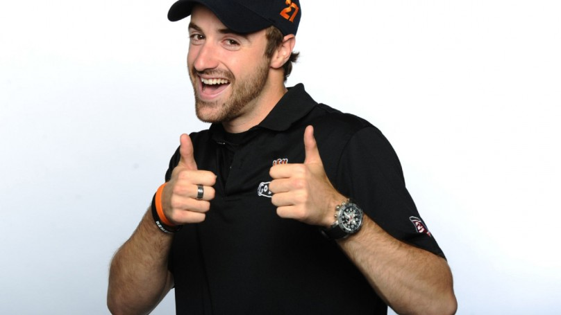 Hinchcliffe in, Danica out as face of GoDaddy