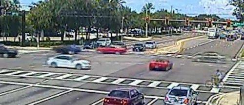 Insider Report: Ferrari driver blindly cruises through red light