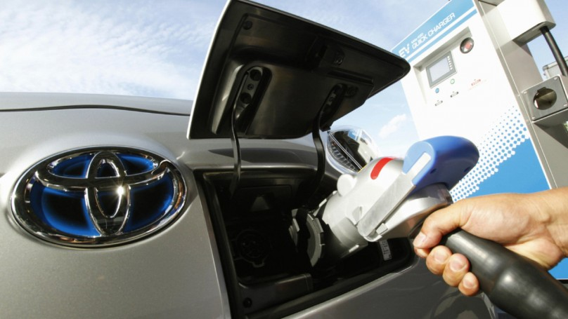 Tougher standards, battery research keys to saving fuel