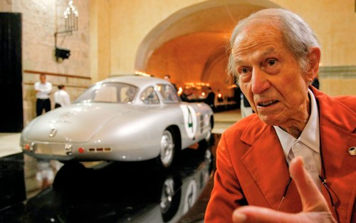 Racer and innovator John Fitch dies at 95