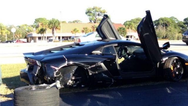 79-year-old driver wrecks Lamborghini Aventador supercar