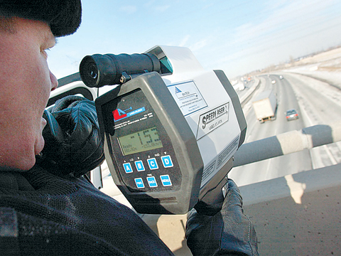Smackdown: Is it time to raise the speed limit on Highway 401?