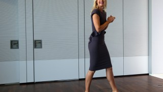 Sharapova signs deal with Porsche