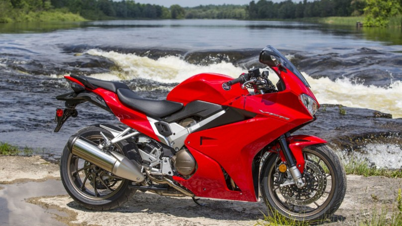Review: 2014 Honda VFR800