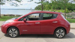 Preview: 2015 Nissan Leaf