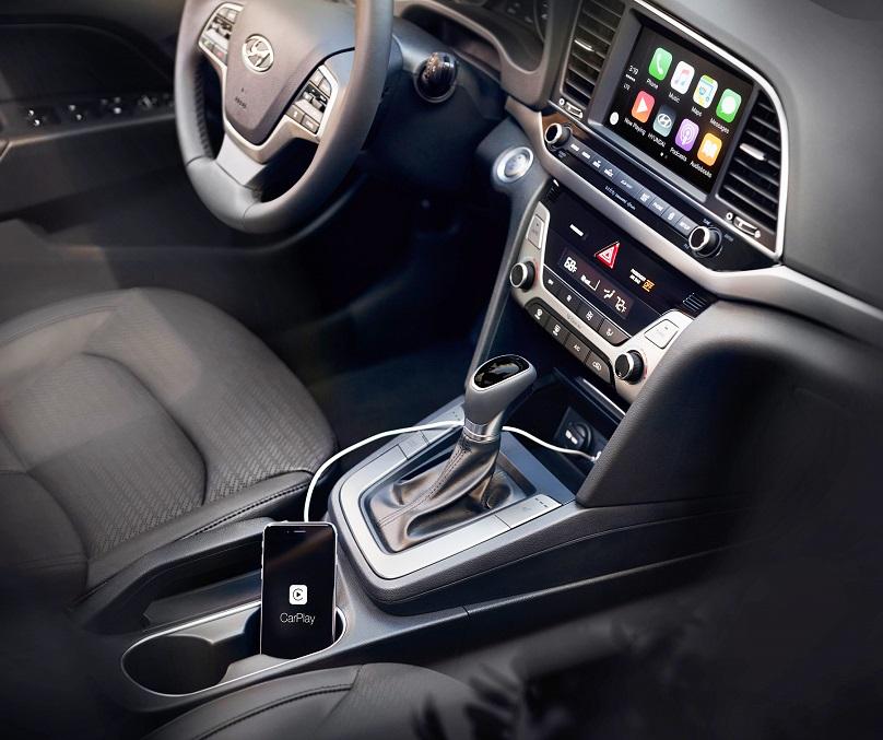 2017 Hyundai Elantra with Apple CarPlay