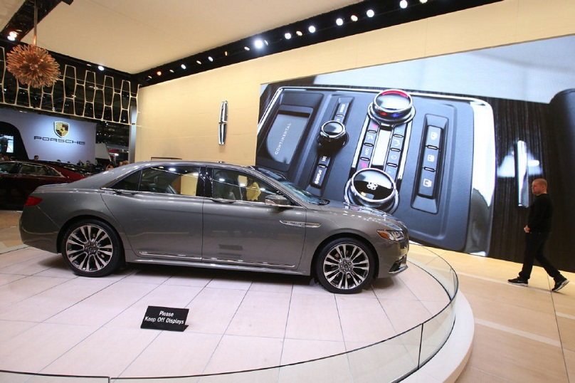 CIAS-2016-lincoln-continental