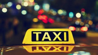 taxi-sign-night