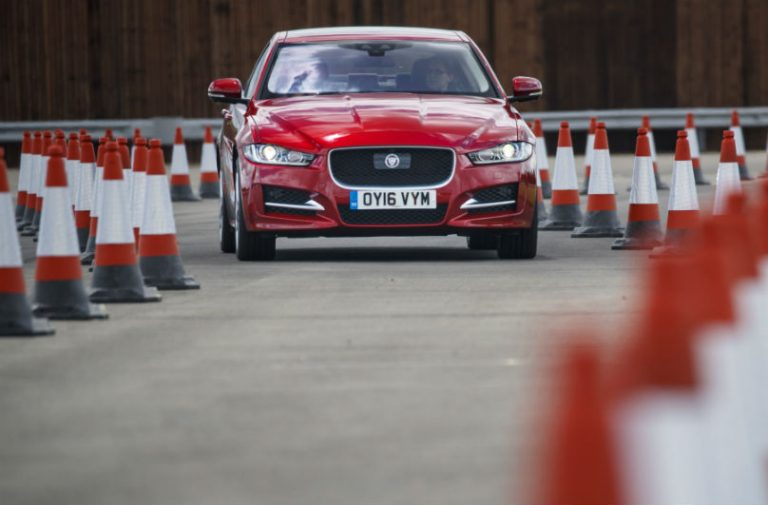 Jaguar LR autonomous