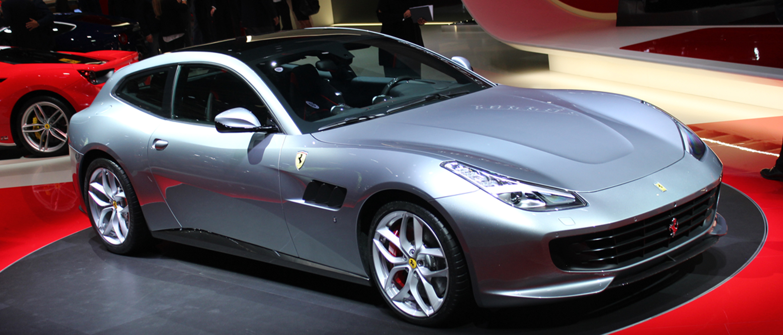 lusso paris auto show