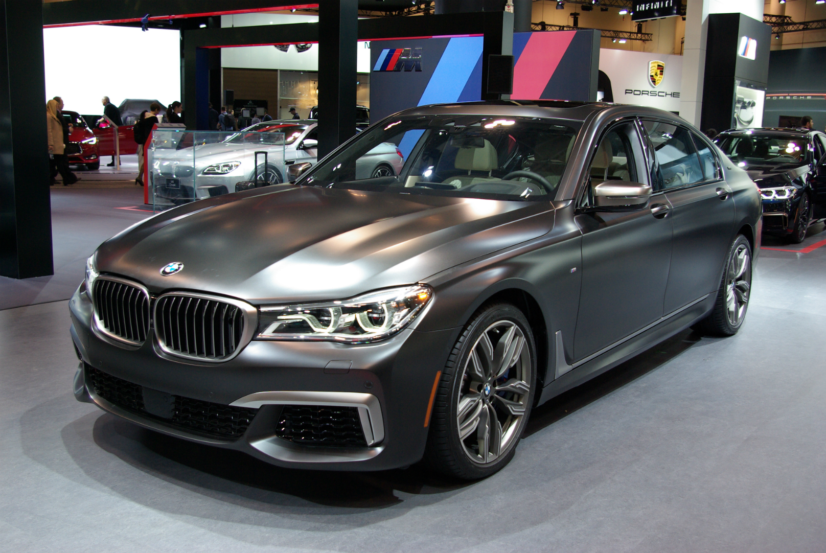 BMW Flagship and 530e