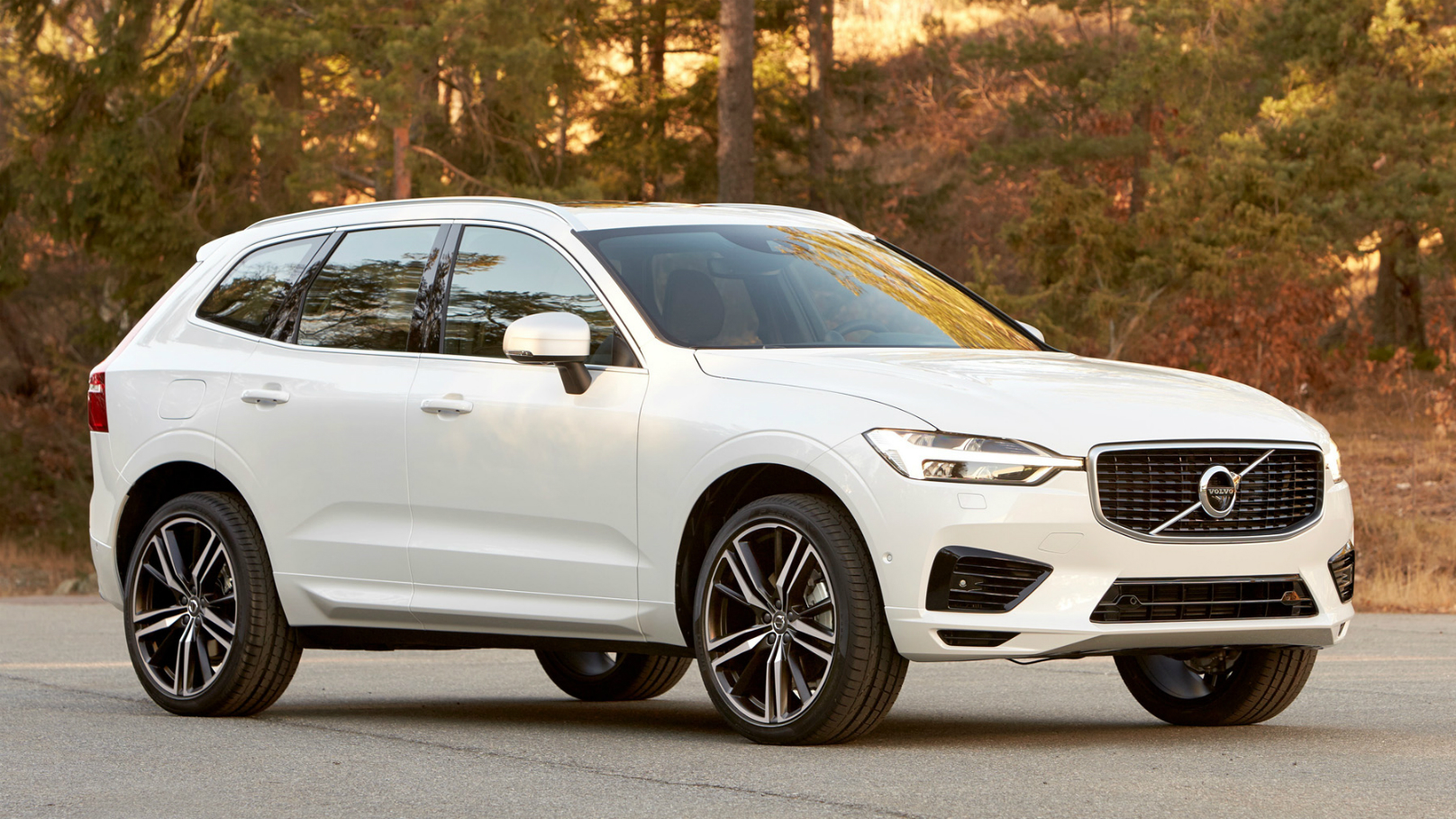 Volvo-XC60- SUV-at-Geneva1