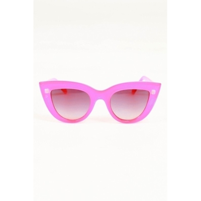 Quay eyeware kitty sunglasses in pink