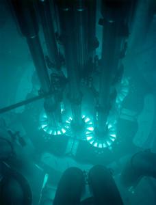 An advanced test reactor (Photo credit: Wikipedia)