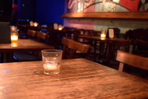 The Tin Angel provided an intimate atmosphere with tables lit by candlelight. (Photo by Erin Blewett)
