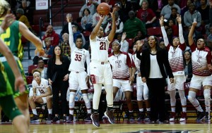 The Owls fell to the Bulls, depsite a late game surge fueled by Khadijah Berger. (Photo: Owlsports.com)