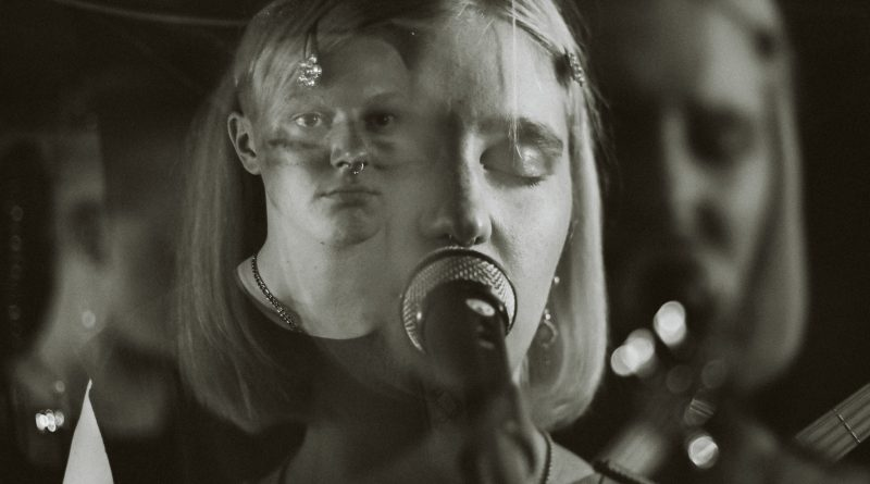PHOTOS/VIDEO/REVIEW: Heatloaf and more at The Crawlspace