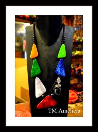 http://s3.amazonaws.com/wikiroom/photos/14074/original/182.jpg?1335120185