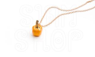 http://s3.amazonaws.com/wikiroom/photos/17050/original/pumpkin_necklace_02.jpg?1341354395