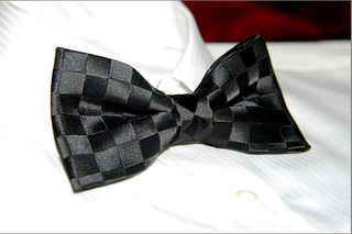 Luxury_black_check_jacquard_mens_bowtie_b053