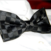 Luxury_black_check_jacquard_mens_bowtie_b053