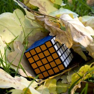 http://s3.amazonaws.com/wikiroom/photos/23212/original/kubik_rubika_5_na_5_5x5x5__3.jpg?1359587988