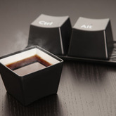 Ctrl-alt-del_chashki_cup_in_use