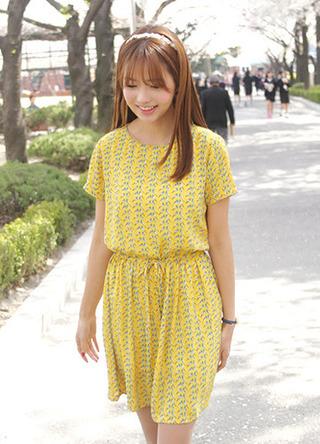 http://s3.amazonaws.com/wikiroom/photos/26744/original/yellow.jpg?1372324859