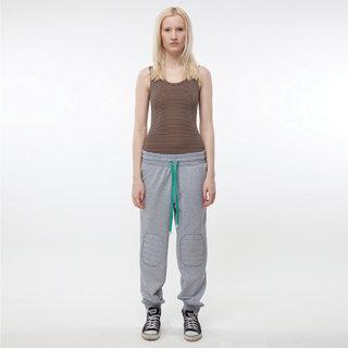 http://s3.amazonaws.com/wikiroom/photos/393/original/003%20(Grey%20trousers%20&%20body%20broun)%20look.jpg?1308941327
