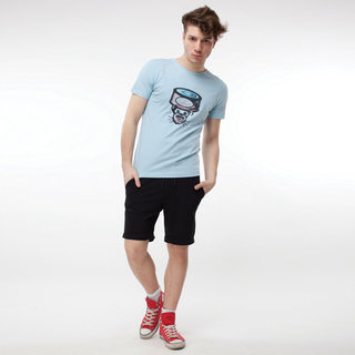 http://s3.amazonaws.com/wikiroom/photos/402/original/006(T-Tuna%20&%20black%20shorts)%20look.jpg?1308941934