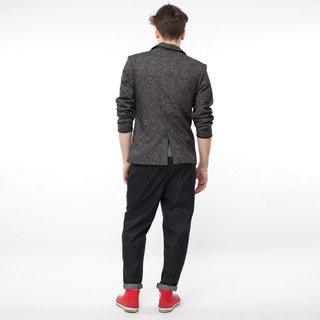 http://s3.amazonaws.com/wikiroom/photos/436/original/017%20(Grey%20jacket)%20back.jpg?1308945500