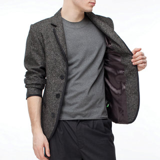 http://s3.amazonaws.com/wikiroom/photos/437/original/017%20(Grey%20jacket)%20zoom.jpg?1308945501