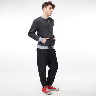 http://s3.amazonaws.com/wikiroom/photos/445/original/020%20(Grey%20bomber)%20look.jpg?1308946722