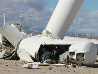 Ocotillo_wind_turbine_collapse3_jim_pelley_preview