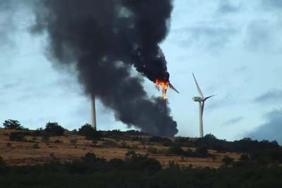 Turbine_fire_spain_-_1_preview