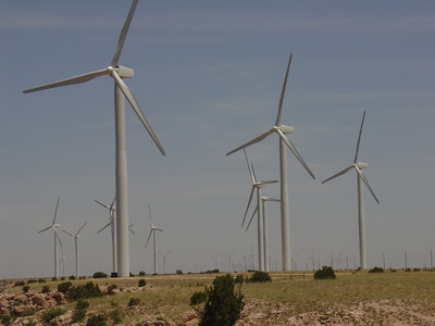Windfarm_in_new_mexico_preview