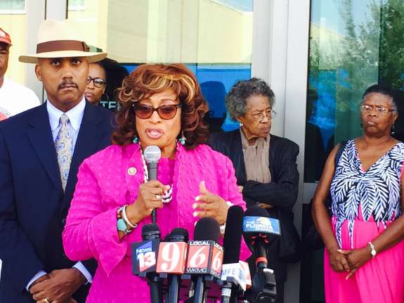 Florida former congresswoman gets 5 years after fraud conviction