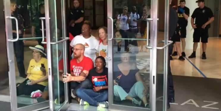 Gun control protesters freed after arrests at Rubio's office