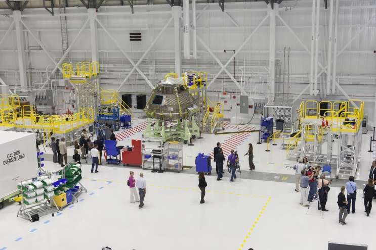 Beoing assembles the Starliner in  the Commercial Crew and Cargo Processing Facility, formerly known as Orbiter Processing Facility 3. Photo: