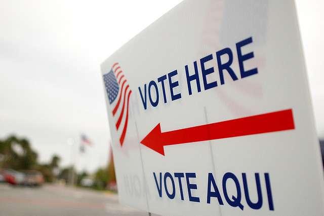 Image: Vote Here Sign in Orlando 2008,Erik Hersman flickr